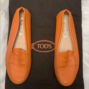 Tod's gommini orange driving loafers